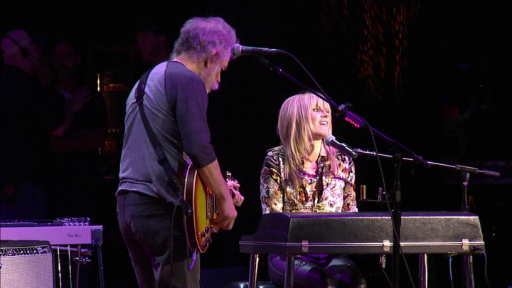 "Bob Weir, Grace Potter ""Friend Of The Devil"" (aus dem Album ""Dear Jerry"")"