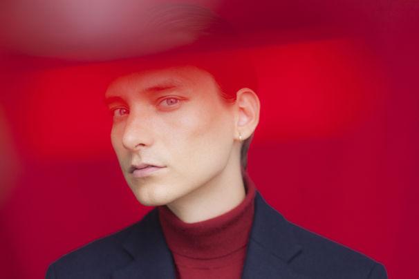 Thomas Azier, Mit Babylon veröffentlicht Thomas Azier den vierten Song vom Album Rouge