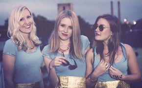 LA MÄNG, Die drei Ladies von La Mäng haben mit dem Köbesleed eine Brauhaushymne im Gepäck