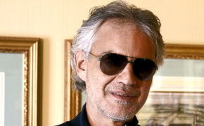 Andrea Bocelli, Time to say Bravo! - Andrea Bocellis Album Romanza feiert das 20. Jubiläum