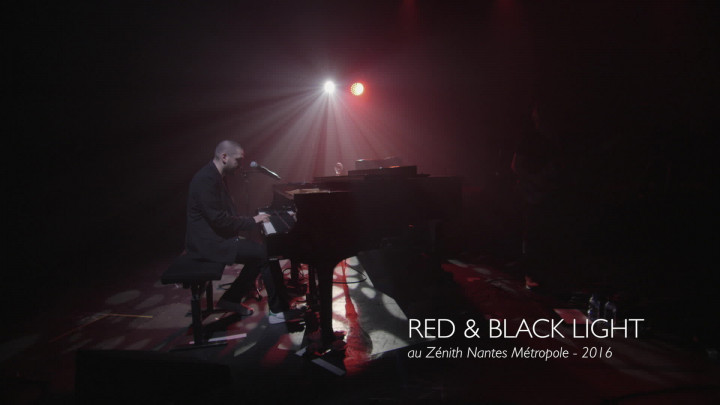 Red & Black Light (Live At Zénith Nantes Métropole, 2016)