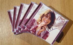 Tini, Gewinnt ein signiertes Exemplar des Albums TINI (Martina Stoessel) von Violetta-Star TINI