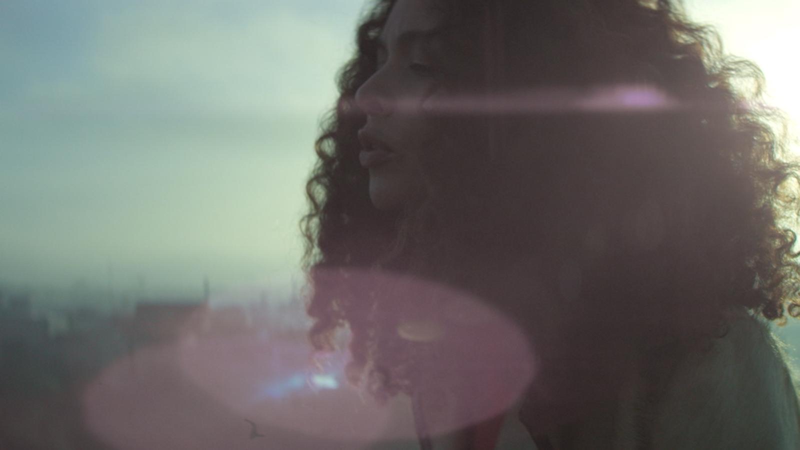 Joy Denalane, Hologramm