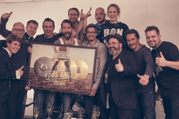 The BossHoss, The BossHoss erhalten Dreifach-Gold für ihr Album Dos Bros