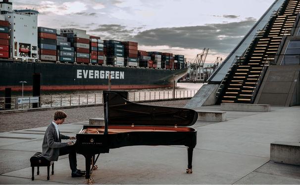 Jan Lisiecki, Chopin en miniatur - Jan Lisiecki zelebriert Kompositionen für Klavier und Orchester von Frédéric Chopin