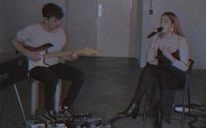 Claire, Seht das Live Session Video zur heutigen Veröffentlichung des Songs End Up Here