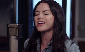 Amy Macdonald, Stecker raus, Musik an: Seht hier das Akustikvideo zu Dream On von Amy Macdonald