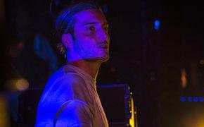 Alesso, Neue Musik von Alesso: Der schwedische EDM-Produzent liefert mit Falling seine neue Club-Single