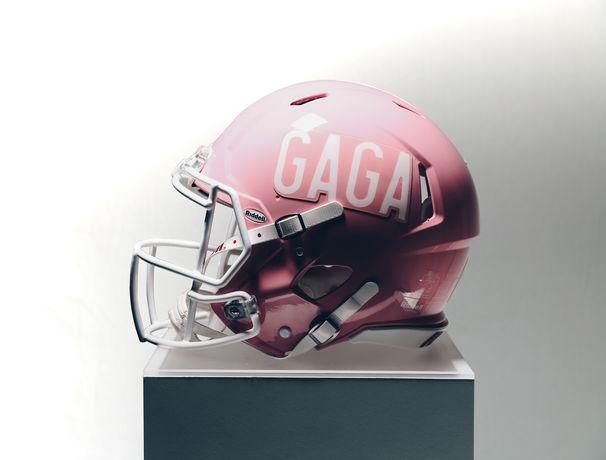 Lady Gaga, Schwindelfrei und stimmgewaltig: So spektakulär war die Superbowl Halftime Show von Lady Gaga