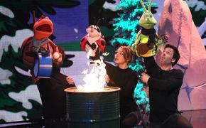 Glühwürmchen und die Musikanten, Glühwürmchen begeistern mit Steh auf und lebe bei den RTL-Puppenstars