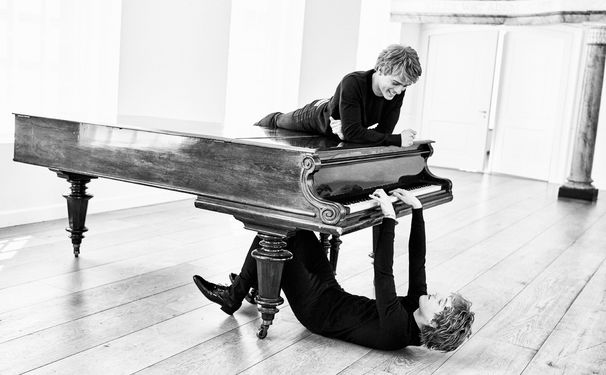 Lucas & Arthur Jussen, Lustvolle Entdecker - Arthur und Lucas Jussen verbinden auf ihrem Album altbekannte und brandneue Klänge