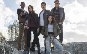 Welshly Arms, Gewinnt jetzt Kinokarten für den neuen Power Rangers Film