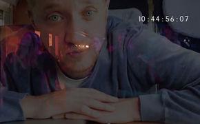 Maeckes, Zeit für Kino: Maeckes zeigt neues Video feat. Josef Hader