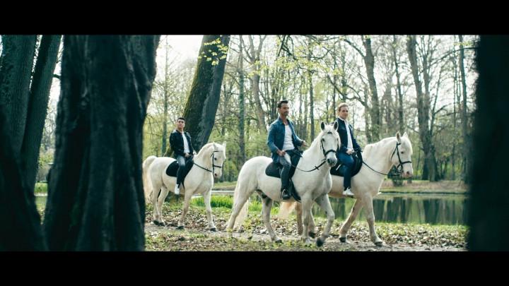 KLUBBB3 feat. Gloria von Thurn und Taxis - Märchenprinzen