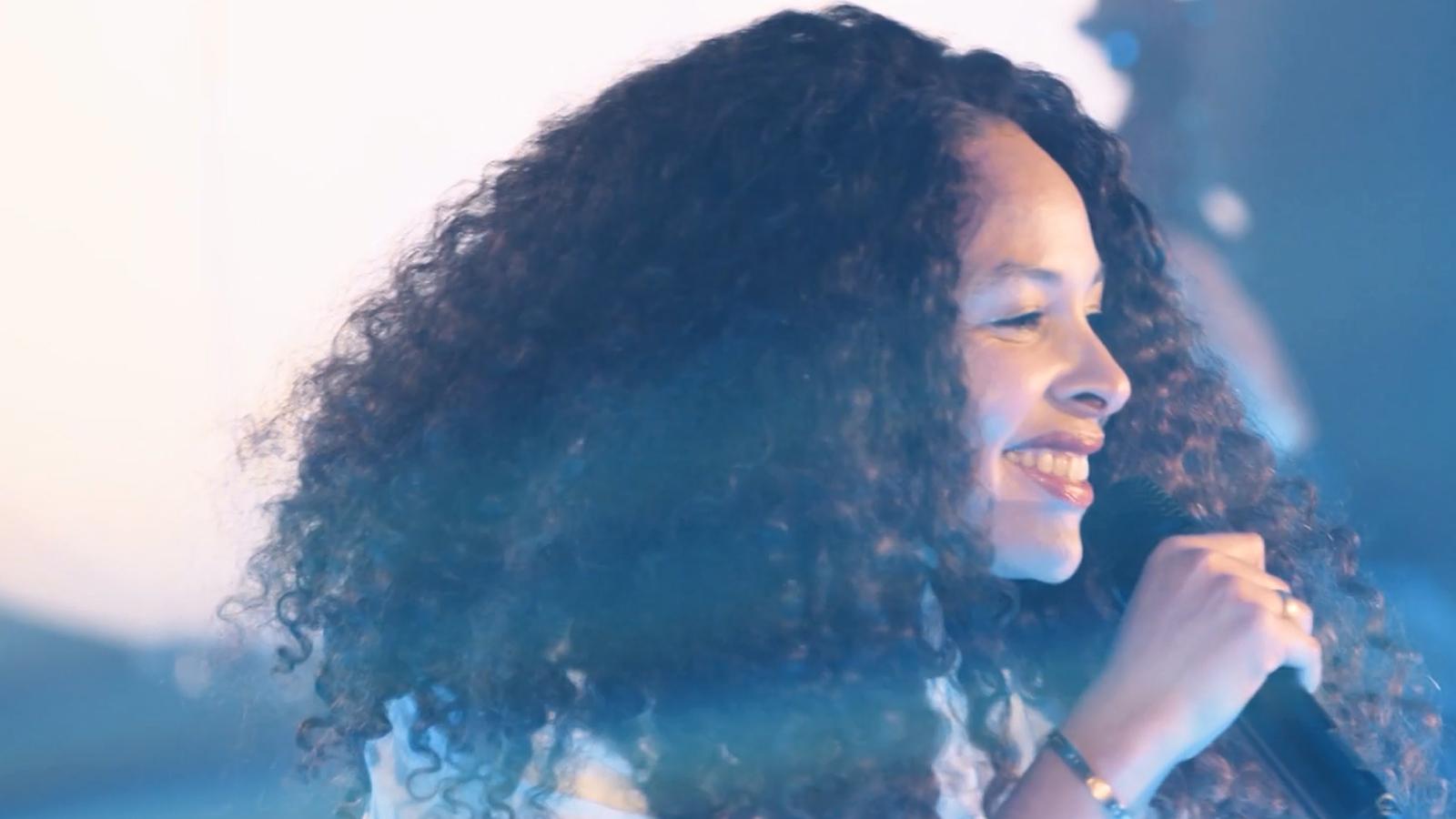 Joy Denalane, Himmel berühren (Live @ Spiegelsaal)