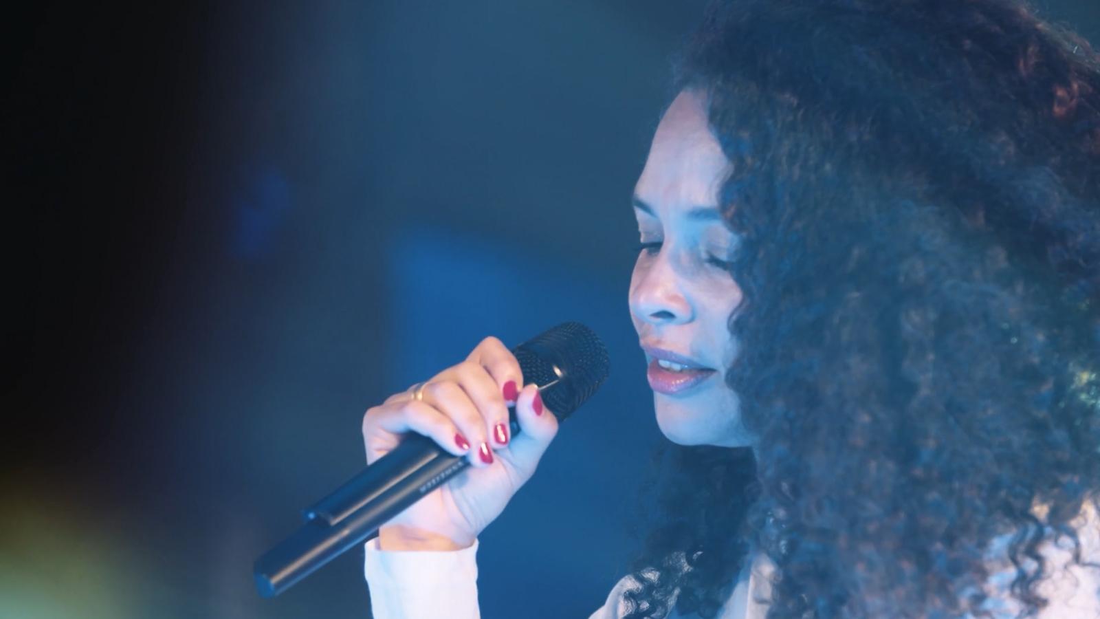 Joy Denalane, Zuhause (Live @ Spiegelsaal)