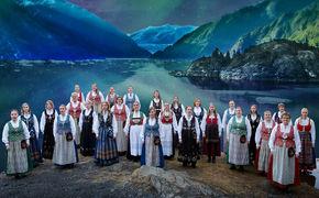 Diverse Künstler, Vielstimmige Nordlichter - Cantus hat mit dem Album Northern Lights ein berührendes Chorerlebnis geschaffen