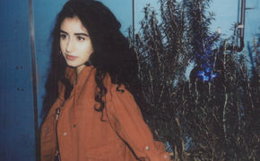 Naaz, Naaz veröffentlicht ihre erste Single Words