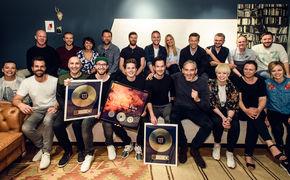 Felix Jaehn, Felix Jaehn erhält Platin für Bonfire und Stimme