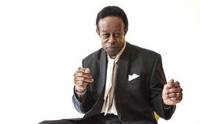 Various Artists, Nie zu spät fürs Blue-Note-Solodebüt - Louis Hayes kehrt zu seinen Ursprüngen zurück