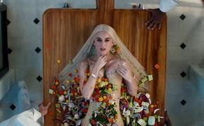 Katy Perry, Katy Perry bittet zu Tisch und präsentiert das Video zu Bon Appetit feat. Migos