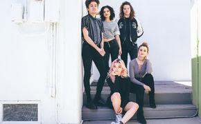 Hey Violet, From The Outside: Hey Violet veröffentlichen ihr Debüt-Album