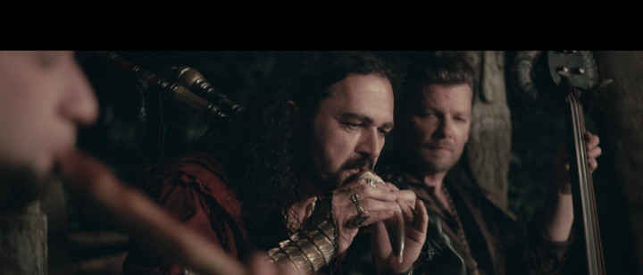 Wild und frei (Corvus Corax & Ji-In Cho als Hexe Runa)