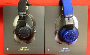 Halsey, Verlosung: Von Halsey signierte Jabra Move Wireless Kopfhörer gewinnen