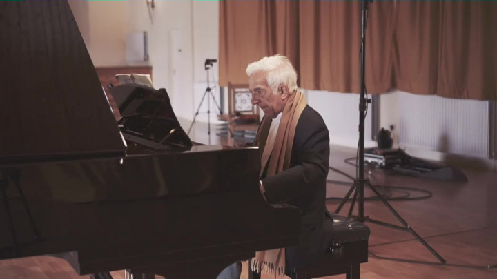 Bach: French Suite No.5 in G - Gavotte