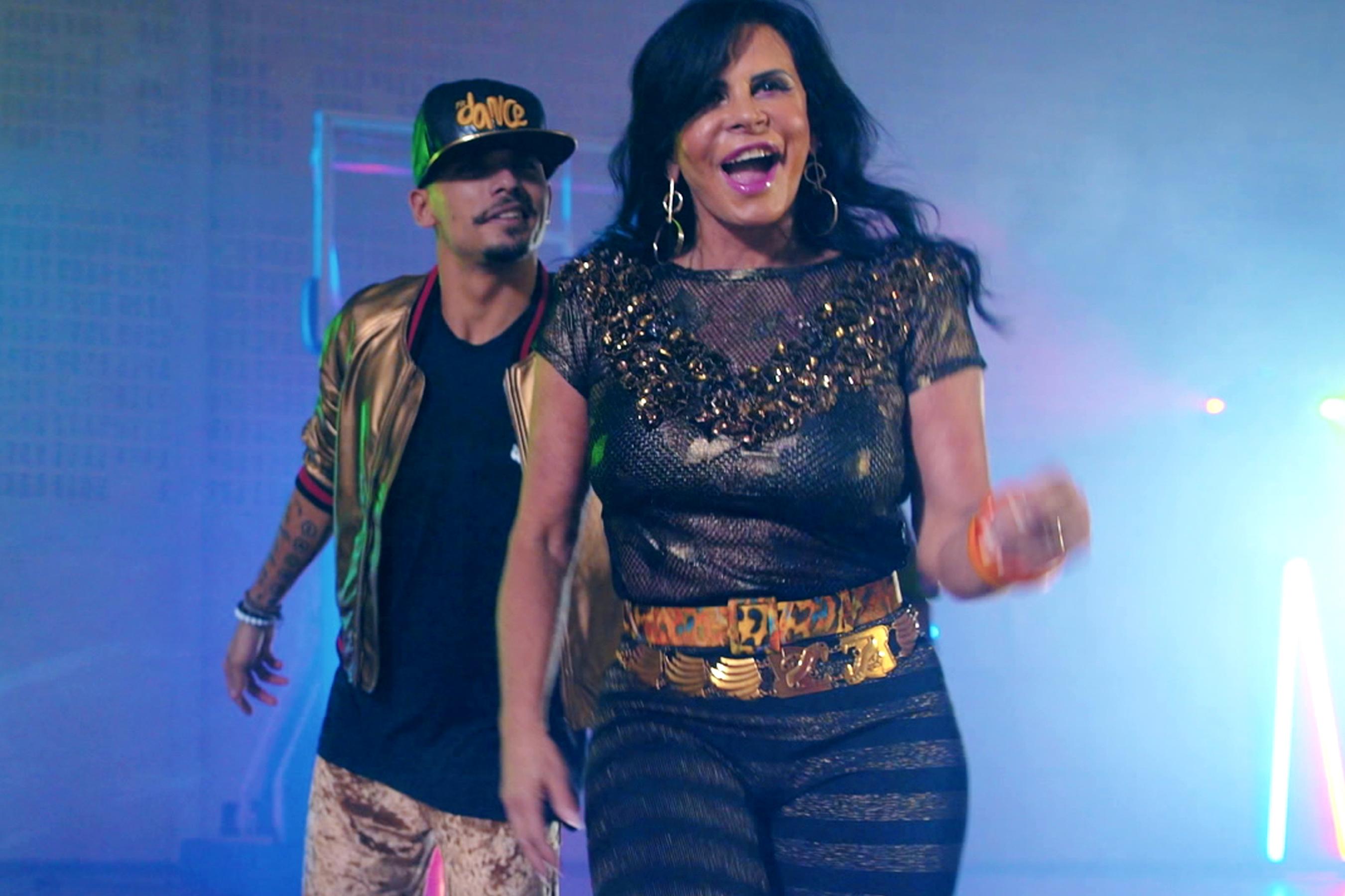 Katy Perry, Swish Swish feat. Nicki Minaj (Lyric Video)