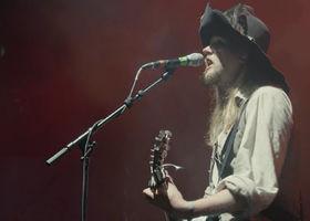 Mr. Hurley & Die Pulveraffen, Achtung, Fertig, Prost! (Live auf dem Rockharz Festival)