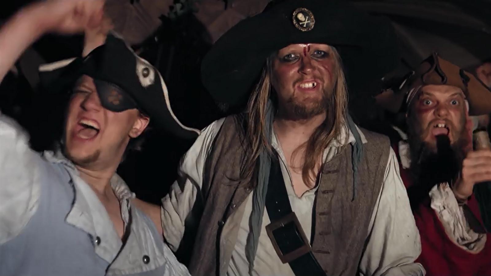 Mr. Hurley & Die Pulveraffen, Achtung, Fertig, Prost!