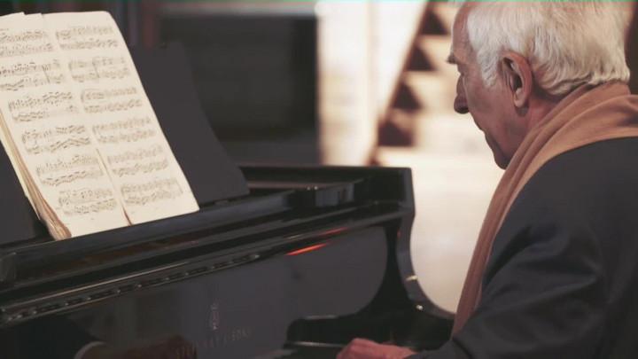 Bach: French Suite No.5 - Bourrée