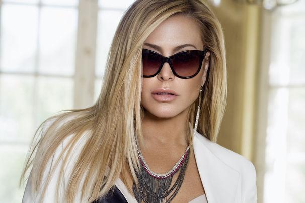 Anastacia, Anastacia kündigt mit Caught In The Middle ihr neues Album Evolution an