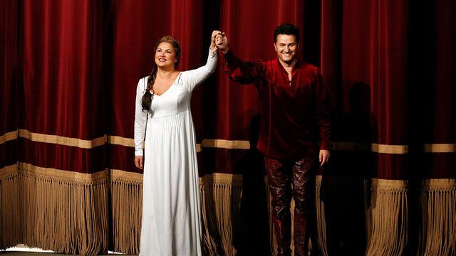 Anna Netrebko, Erfolgreiches Rollendebüt – Anna Netrebko erobert mit Lohengrin die Spitze der Klassik-Charts