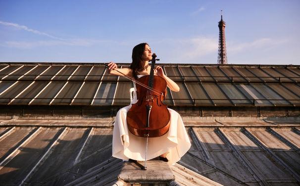 Camille Thomas, Kurzkonzert – Camille Thomas zu Gast bei Dussmann