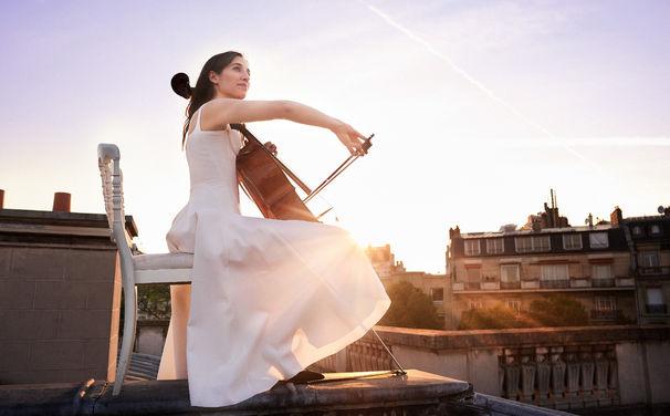 Camille Thomas, Französischer Charme – Gewinnen Sie Konzerttickets für Camille Thomas in München