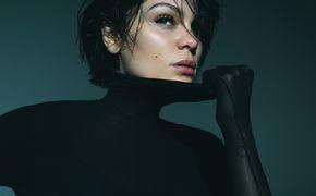 Jessie J, Hier reinhören: Jessie J kommt auf Tour und bringt ihren neuen Track Think About That mit