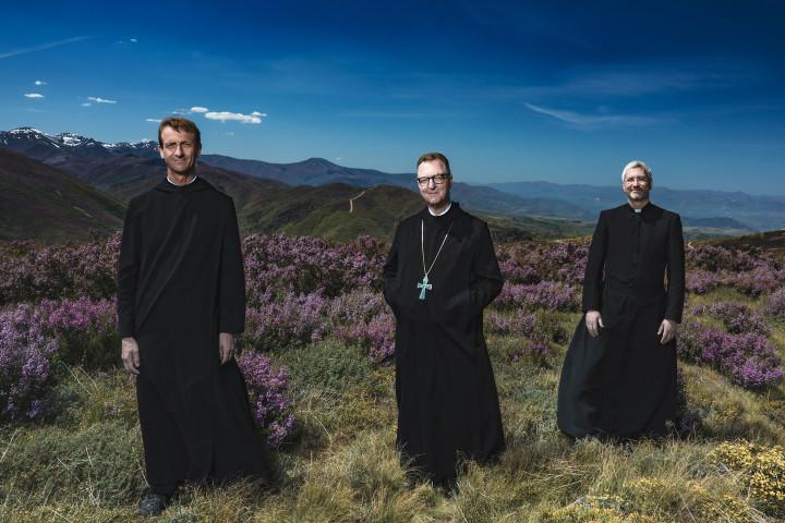 Die Priester—2017—Webgrafik HD −2
