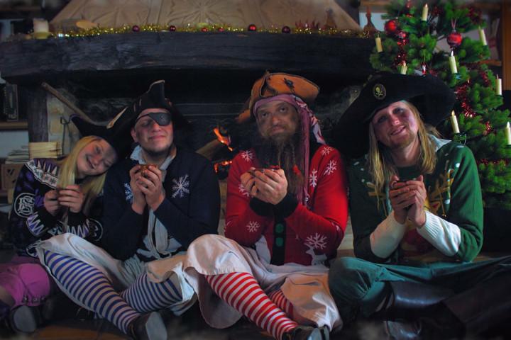 Mr. Hurley & die Pulveraffen Karibische Weihnachten 2017