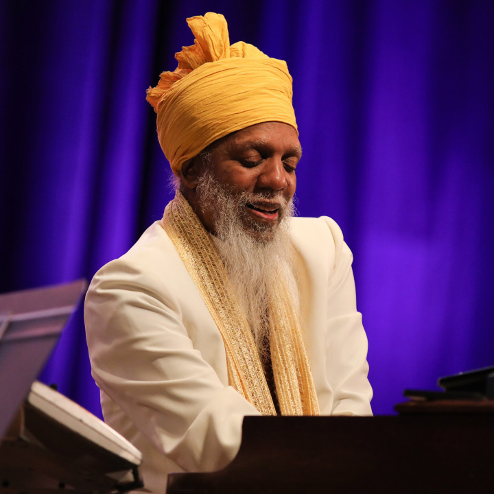 Dr. Lonnie Smith – All In My Mind