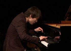 Seong-Jin Cho, Debussy: L'isle joyeuse (Yellow Lounge, Berlin 2017)