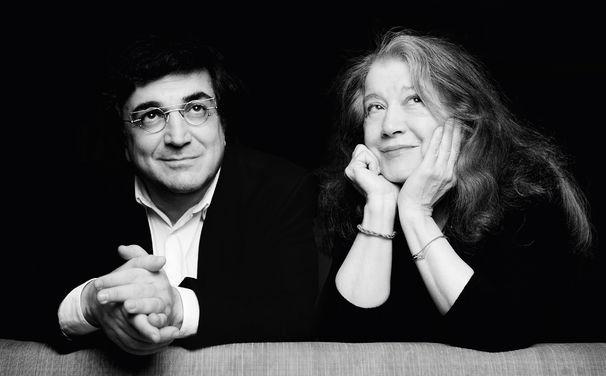 Martha Argerich, Packende Geschichten auf zwei Klavieren - Interpretiert von Martha Argerich und Sergei Babayan