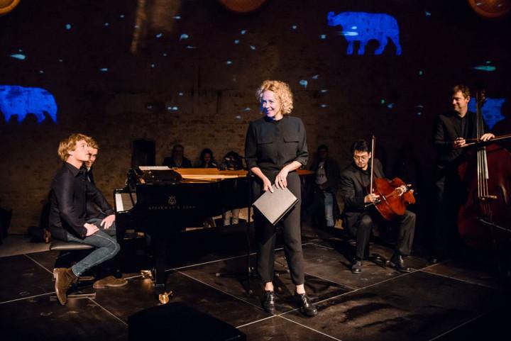 Katja Riemann und Lucas & Arthur Jussen