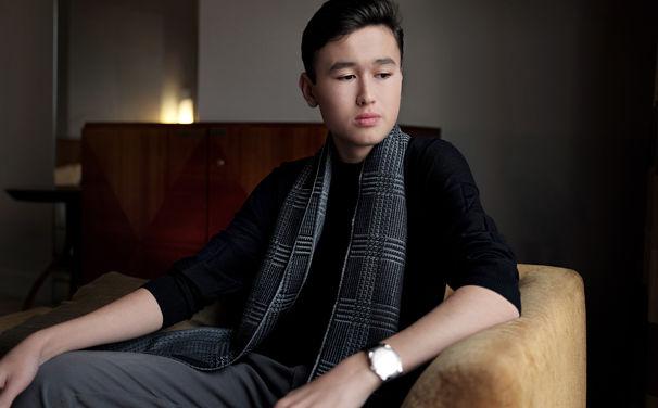 Daniel Lozakovich, Auftakt mit Bach - Daniel Lozakovich zeigt auf seinem Debütalbum große Virtuosität und Spielfreude