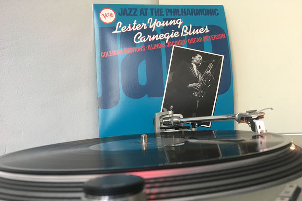 JazzEcho-Plattenteller, Jazz-At-The-Philharmonic-LP - Lester Young hat den Carnegie Blues