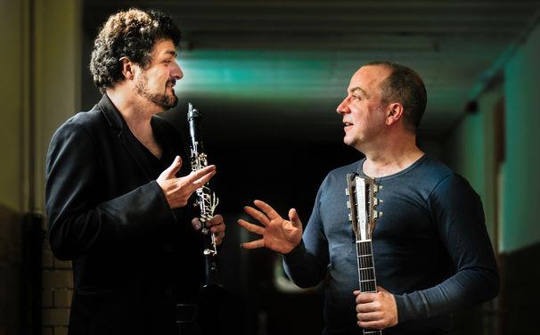 Marc Sinan, Marc Sinan & Oğuz Büyükberber - Lieder mit einem revolutionären Hintergrund