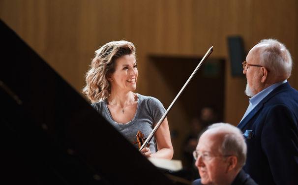 Anne-Sophie Mutter, Perfektion und Eleganz - Anne-Sophie Mutter begeistert das Kölner Publikum mit einem glänzenden Auftritt in der Philharmonie