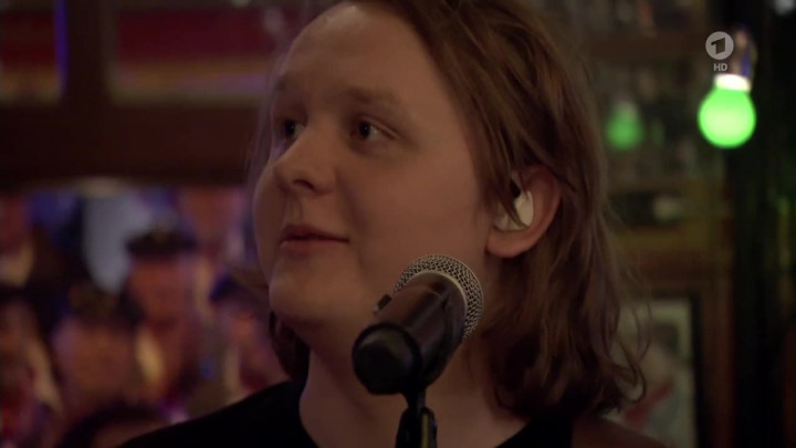 "Lewis Capaldi ""Fade"" (Live @ Inas Nacht)"