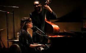 Norah Jones, Bist du ein Engel? - Norah Jones veröffentlicht neuen Konzertfilm Live At Ronnie Scott's